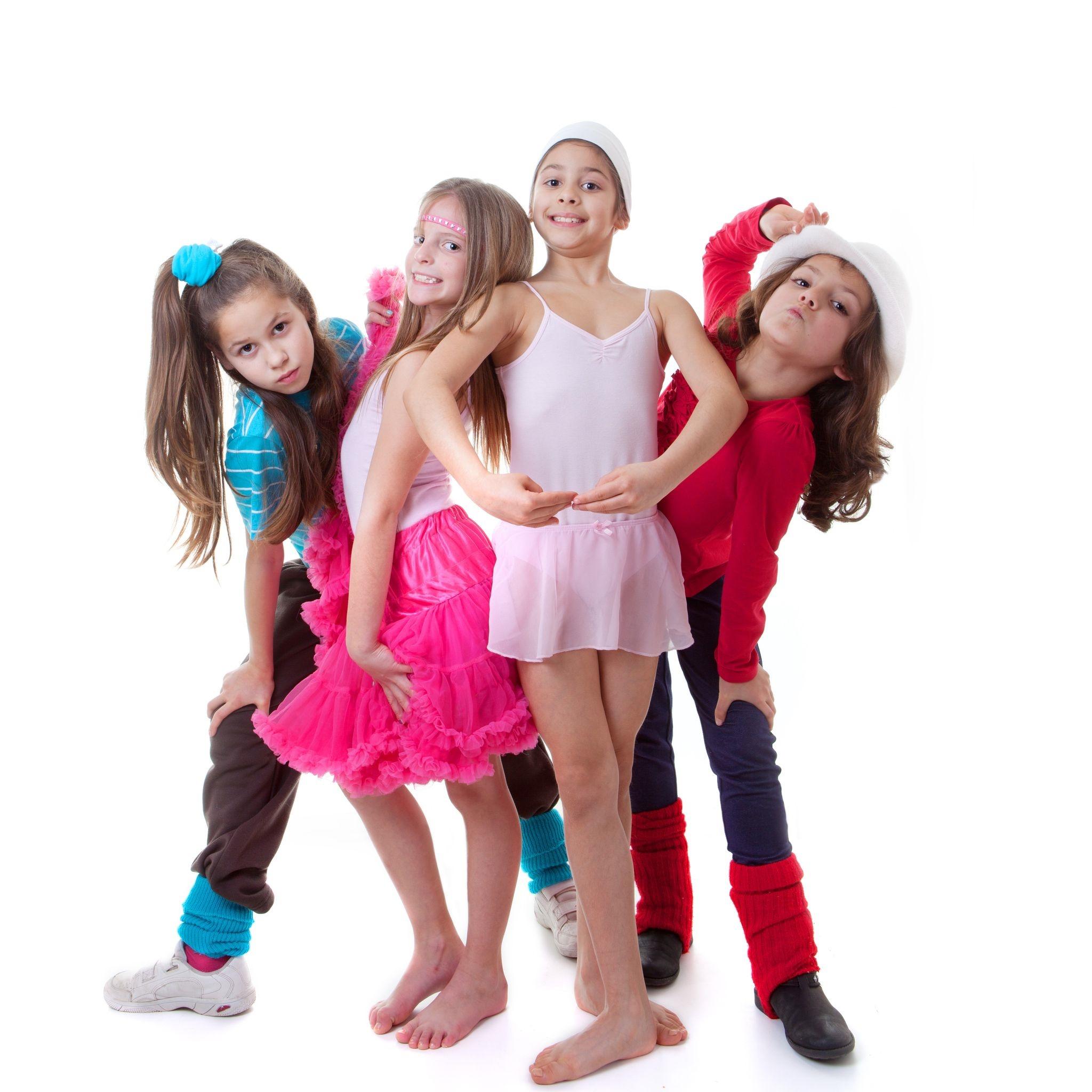 4 girl dancers